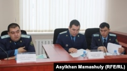 Представители прокуратуры на процессе по пересмотру уголовного дела в отношении Ержана Утембаева. 22 января 2014 года.