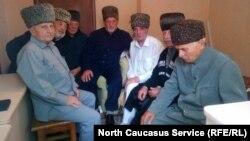 Руслан Гвашев с членами делегации духовного управления мусульман