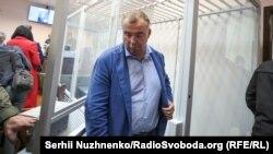 19 жовтня Вищий антикорупційний суд ухвалив рішення про взяття під варту на 60 днів Олега Гладковського і водночас визначив, що він може внести заставу в понад 10,5 мільйона гривень