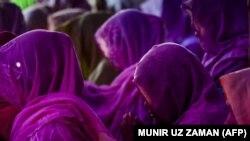 Kampi i refugjatëve të Rohingya në Bangladesh.