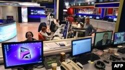 «Ռուսթավի-2» հեռուստաընկերության լուրերի խմբագրությունում, արխիվ