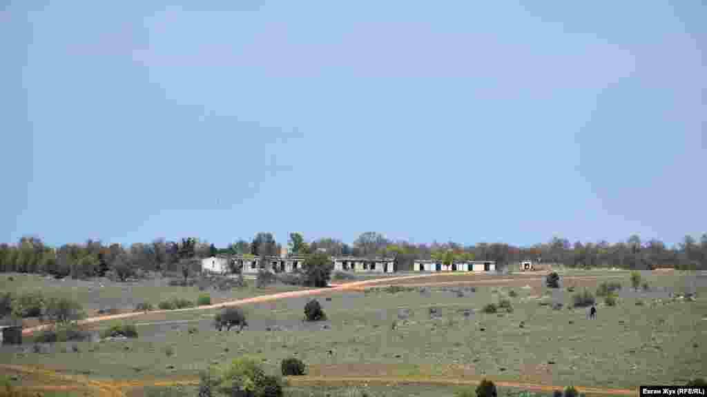 Заброшенные строения бывшей воинской части