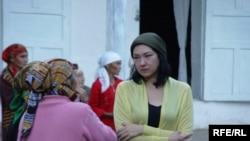 Şirin Aytmatova Oşda.