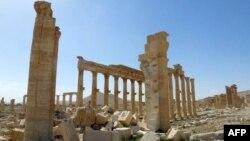 Пальмирадағы соғыстан жартылай қираған тарихи қақпалар. Сирия, 27 наурыз 2016 жыл.