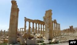 Остатки Триумфальной арки в Пальмире. Фотография сделана 27 марта 2016 года