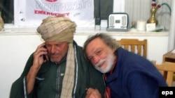 معامله با طالبان برای آزادی دانيله ماستروجاکومو، روابط داخلی دولت ايتاليا و همچنين روابط اين دولت بااپوزيسيون ميانه و راست را بحرانی ساخته است.