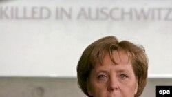 آنگلا مرکل، صدر اعظم آلمان، روز سه شنبه در پارلمان اسرائيل اظهارات محمود احمدی نژاد درباره اسرائیل را محکوم کرد عکس از: epa
