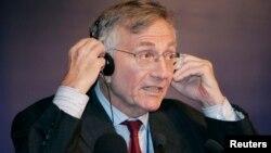 Сеймур Херш, американский журналист, лауреат Пулитцеровской премии.