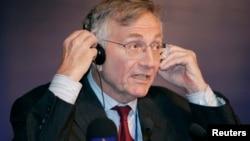 Американский журналист Сеймур Херш.