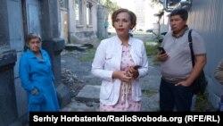 Чиновников горсовета Славянска Юрия Подлесного и Марину Олейник не пустили в здание ДК