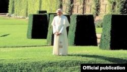 Папа Римский Бенедикт XVI в Кастель-Гандольфо в 2007