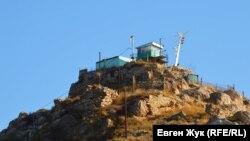 Пограничный пост на вершине горы Крепостной