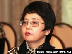 «Қазақстандағы парламентаризмнің даму қоры» қоғамдық ұйымының президенті Зәуреш Батталова. Алматы, 18 қазан 2010 жыл.