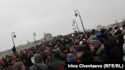 Мәскеудегі Болотный алаңындағы митинг. 10 желтоқсан 2011 жыл.