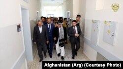دیدار مقام های افغان از شفاخانه ابو علی سینا که به کمک مالی جرمنی در بلخ ساخته شده است 05October2018