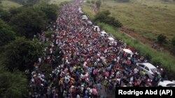 Karavani i migrantëve që është nisur drejt SHBA-së.