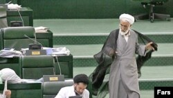 Iran - Iranian Parliament session, Tehran, 13Jun2007