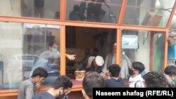 په کابل کې د نانوایانو له لارې د افغان حکومت له لوري د ډوډۍ وېشل