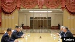 دیدار مایک پومپئو با رهبر کره شمالی در پیونگ یانگ (عکس از آرشیو)
