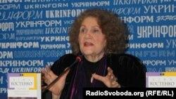 Ліна Костенко на презентації нової книги
