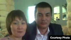 Сотталған майор Қайрат Сәрсенбаев пен әйелі Айман Сәрсенбаева.