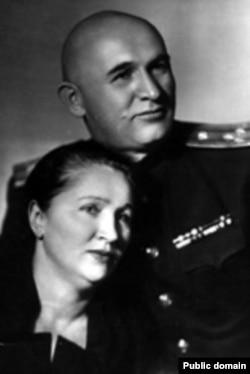 Петр Григоренко с женой Зинаидой Михайловной