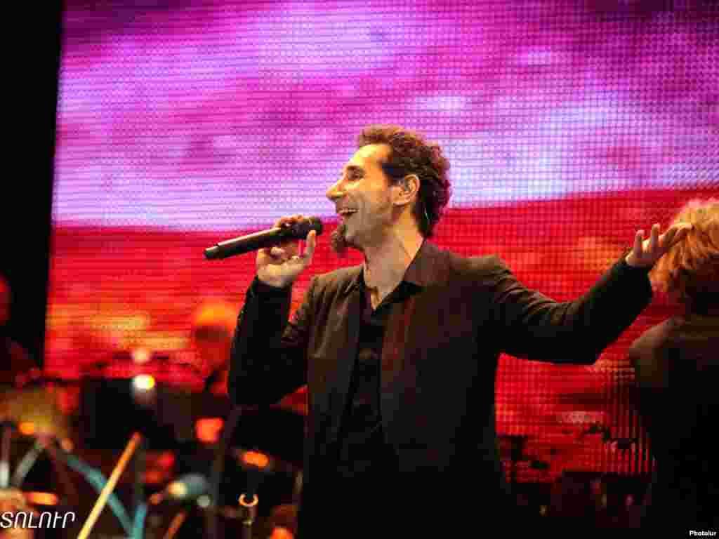 Armenia -- World known rock-star of Armenian origin Serj Tankian gives a concert in Yerevan, 14Aug2011 - Armenia -- World known rock-star of Armenian origin Serj Tankian gives a concert in Yerevan, 14Aug2011