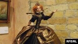 Одна з представлених під час проекту ляльок «Її Величність», автор Ірина Єлісєєва
