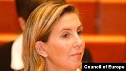 Avropa Parlamentinin deputatı Lidi Polfer, 24 sentyabr 2002