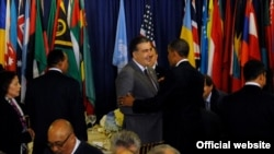 Грузия Президенти М.Саакашивили (м) ва АҚШ Президенти Б.Обама. Ню Йорк 2011 йил сентябр.