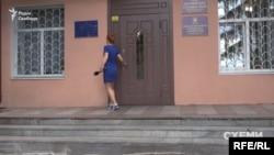 «Схеми» дізналися, що Оксана Пасенко просила матеріальну допомогу від селищної ради – і одного разу успішно її отримала