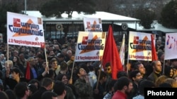 Armenia - The Armenian Revolutionary Federation holds an election campaign rally in Yerevan, 30Mar2017.