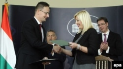 Mađarska i Srbija očekuju da bi rok za rok za okončanje zajedničkog projekta koji realizuju sa Kinom mogla biti 2023. godina: ministri Peter Sijarto i Jadranka Joksimović