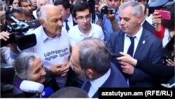 После заседания правительства премьер-министр отвечает на вопросы журналистов, Ереван, 17 мая 2018 г․