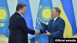 Петро Порошенко і Нурсултан Назарбаєв, архівне фото