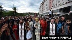 Mitropolit Amfilohije na protestu u Podgorici 21. juna