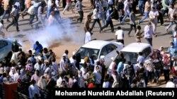 Разгон демонстрации в Судане, 25 декабря 2018 г.