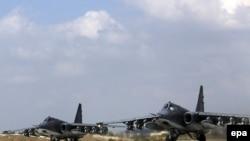 Штурмовики Су-25 на авиабазе Хмеймим в Сирии