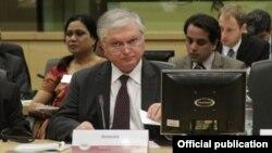Глава МИД Армении Эдвард Налбандян на одной из конференций в Брюсселе (архив)