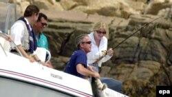 В Кенненбанкпорте отличный клев, но будет ли у Буша и Путина время для рыбной ловли?