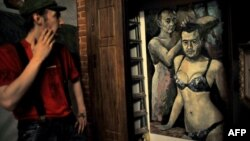 یک نقاشی از پوتین و مدودف اثر ولادیمیر آلتونین.