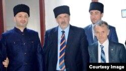 Аслан Өмәр Кырымлы (с), Рифат Чубаров, Мостафа Җәмилоглу (у)