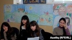 Раштуа бәйрәменә чакырылган кырымтатар балалары