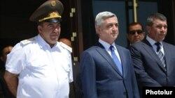 Ձախից՝ Լևոն Երանոսյան, Սերժ Սարգսյան, Վլադիմիր Գասպարյան, արխիվ