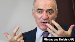 Garry Kasparov dekabrın 14-də AzadlıqRadiosuna müsahibə verib