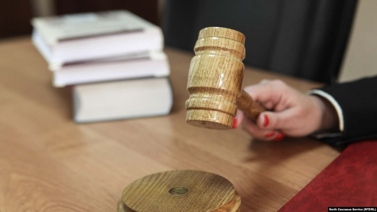 Суд Крыма оставил под стражей двух фигурантов симферопольской «дела Хизб ут-Тахрир»