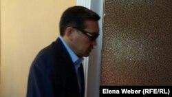 Экс-премьер Серік Ахметов сот залында. Қарағанды, 28 шілде 2015 жыл.