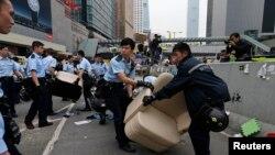 Pamje nga aksioni policor në Hong Kong