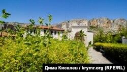 Під яскравим сонцем Бахчисарая: Зинджирли-медресе та усипальниця кримських ханів (фотогалерея)