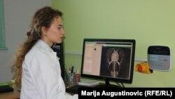 """""""Mladi u svijetu imaju jači vjetar u leđa"""", kaže Adla Kahrić."""